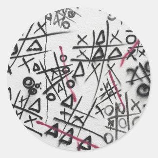 Graffiti Tic Tac Toe Round Stickers