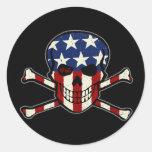 Gráfico americana de la bandera del cráneo del pegatina redonda