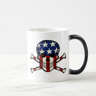 Gráfico americana de la bandera del cráneo del taza mágica