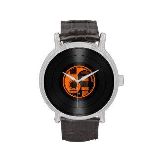 Gráfico anaranjado y negro del vinilo de las relojes