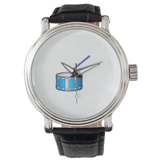 gráfico azul de la trampa con los palillos relojes de pulsera