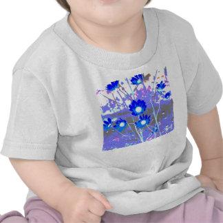 Gráfico azul y blanco de la foto de la flor camiseta