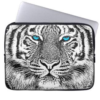 Gráfico blanco y negro del tigre de los ojos funda portátil