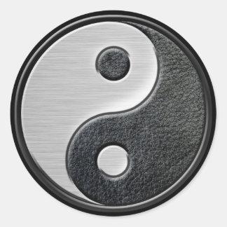 Gráfico de cuero y de acero de Yin Yang del efecto Pegatinas Redondas