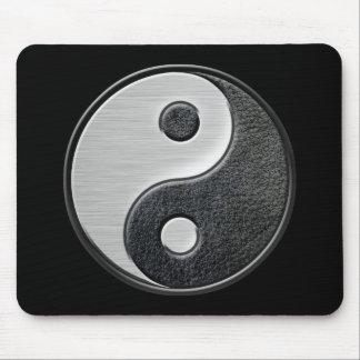 Gráfico de cuero y de acero de Yin Yang del efecto Alfombrillas De Ratón