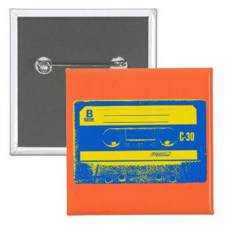 Gráfico de la cinta de casete del arte pop en amar pin cuadrado