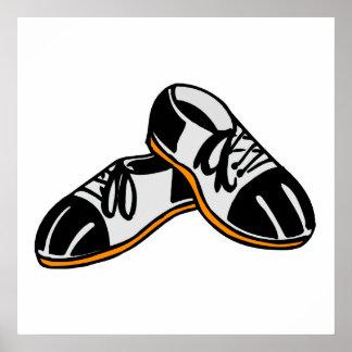 gráfico del dibujo animado de los zapatos de bolos póster