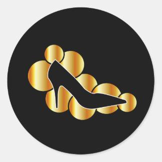 Gráfico del zapato con los círculos de oro pegatina redonda