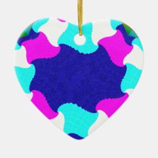 Gráfico excepcional adorno navideño de cerámica en forma de corazón