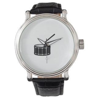 gráfico negro de la trampa con sticks.png reloj de mano