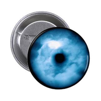 Gráfico nublado azul claro del ojo pin redondo de 2 pulgadas