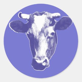 Gráfico retro púrpura de la vaca pegatina redonda