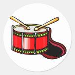 Gráfico rojo del tambor pegatina redonda