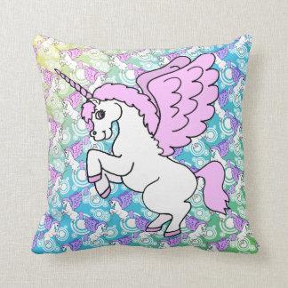 Gráfico rosado y blanco del unicornio almohada