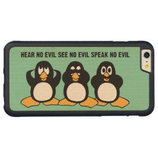 Gráfico sabio del diseño de tres pingüinos funda para iPhone 6 plus de carved® de nogal