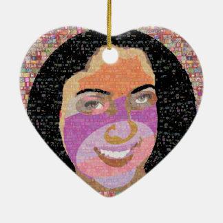 Gráficos del chica de la travesura de la diva en adorno de cerámica en forma de corazón