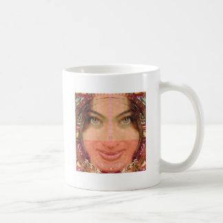 Gráficos del chica de la travesura de la diva en l tazas de café