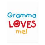 Gramma me ama las camisetas y los regalos postal