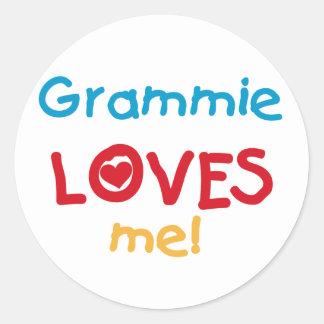 Grammie me ama las camisetas y los regalos pegatina redonda