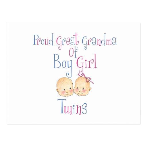 Gran abuela orgullosa de los gemelos del chica del tarjeta postal
