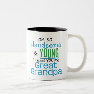 Gran abuelo hermoso y joven taza dos tonos