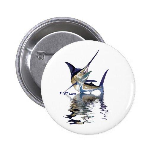 Gran aguja con la reflexión en agua pins