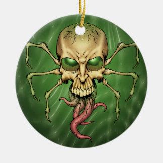 Gran arte extranjero de Lovecraftian del cráneo de Adorno Navideño Redondo De Cerámica