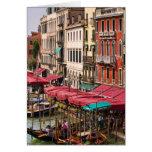 Gran Canal de Venecia Italia con los barcos de la  Tarjeta De Felicitación