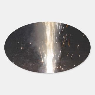 Gran cantidad de chispas de un petardo calcomanías ovaladas personalizadas