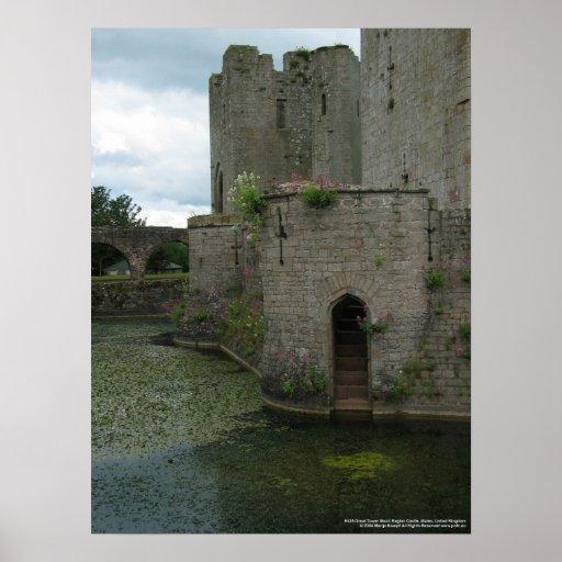 Gran castillo del raglán de la torre 8436 y de la  posters