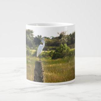 Gran Egret en la taza de la especialidad de los hu Taza Grande