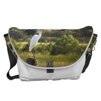 Gran Egret en los humedales de Viera grandes Bolsas De Mensajeria