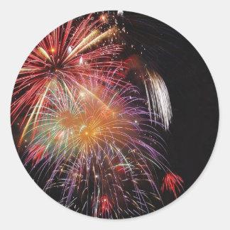 Gran noche de los fuegos artificiales etiqueta redonda