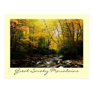 Gran otoño de la montaña ahumada postal