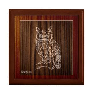 Gran personalizado de madera del búho de cuernos joyero cuadrado grande