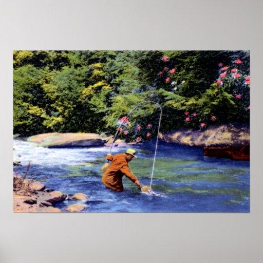 Gran pesca de la trucha del pescador de las montañ posters
