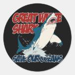 Gran tiburón blanco etiquetas redondas