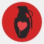 Granada del amor - el amor es un campo de batalla pegatinas redondas