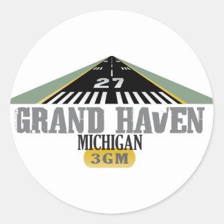 Grand Haven MI - Airport Runway Classic Round Sticker