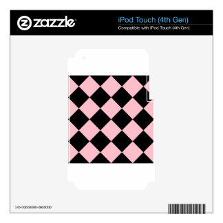 Grande a cuadros de Diag - negro y rosa iPod Touch 4G Calcomanías