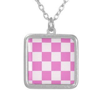Grande a cuadros - rosa rosa claro y oscuro collar plateado