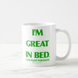 Grande en cama tazas