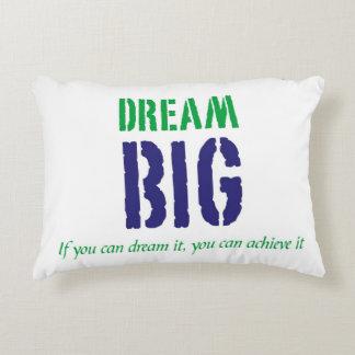 Grande ideal: Almohada inspirada de las palabras