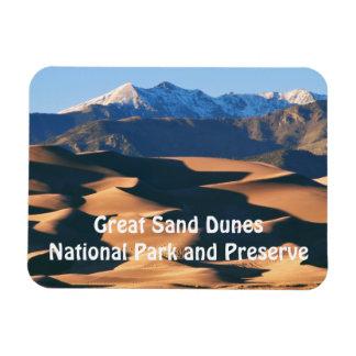 Grandes dunas de arena NP en el imán de la puesta