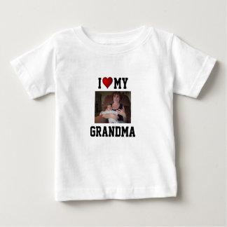 Grandma: I LOVE MY GRANDMA Tshirt
