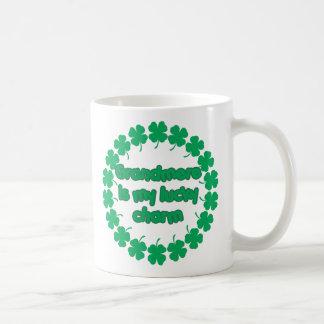 Grandmere es mi encanto afortunado taza