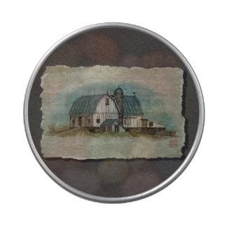 Granero blanco grande de Amish Latas De Caramelos