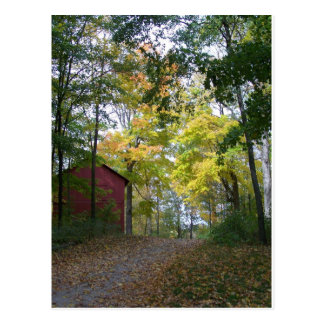 granero del otoño postal