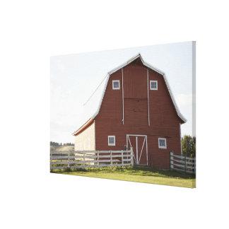 Granero en paisaje rural impresiones en lienzo estiradas