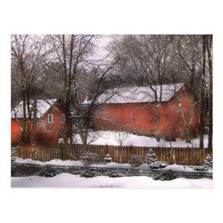Granero - invierno en el país tarjeta postal